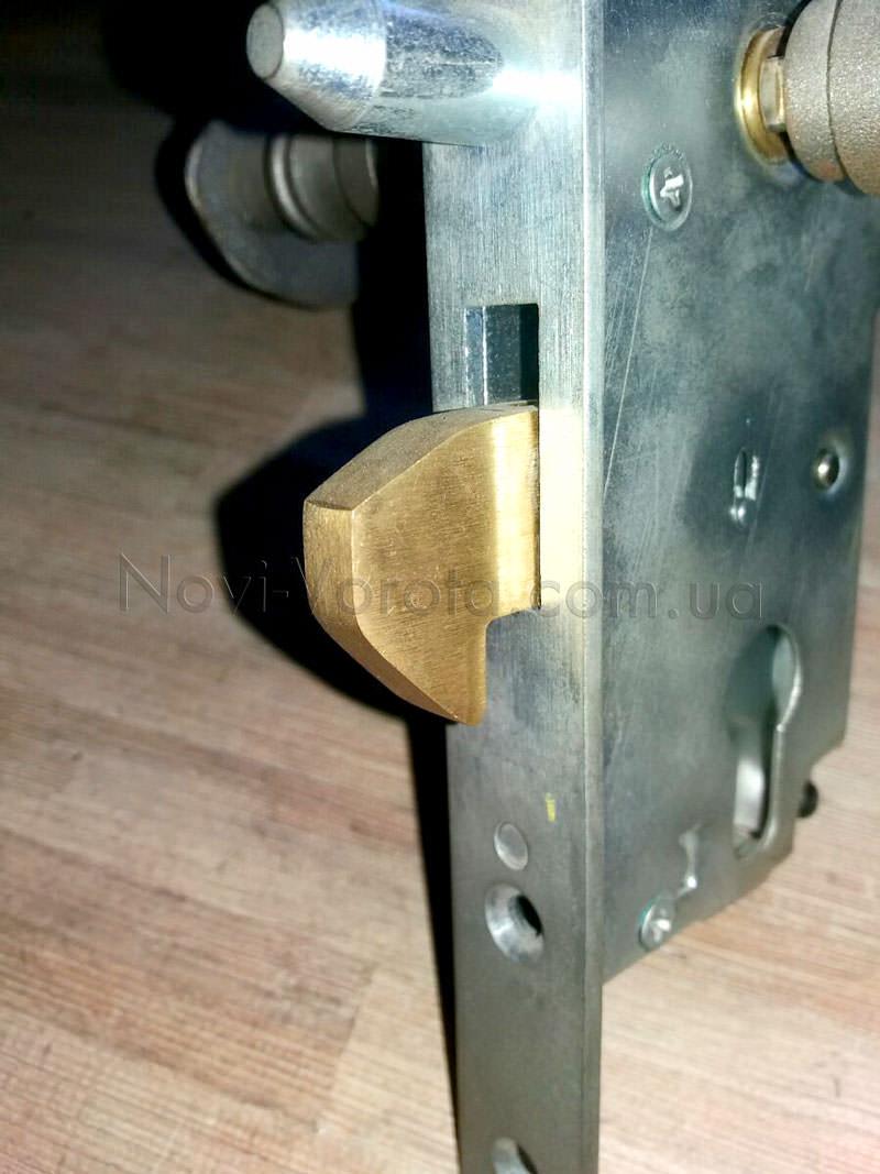 Латунный крюк замка для откатных воро