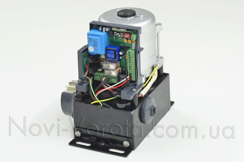 Двигатель Miller Technics MT 1000