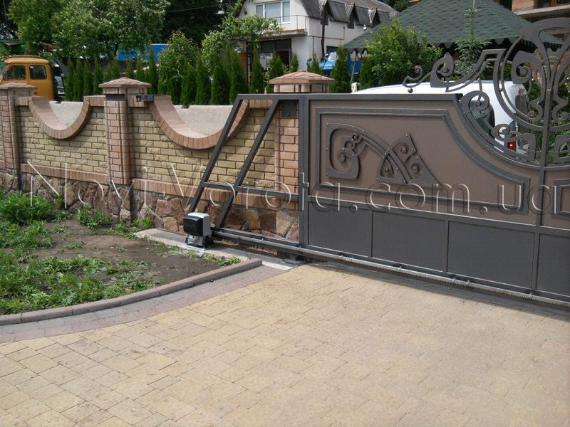 зубчатая рейка на створке откатных ворот
