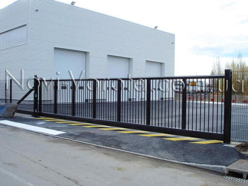 Промышленные откатные ворота.