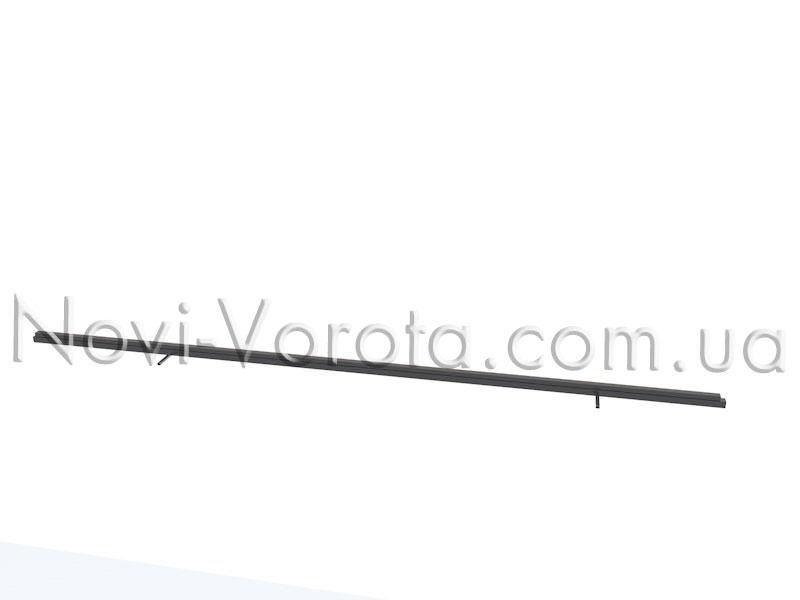 Несущая труба каркаса нижняя и направляющий рельс, сваренные.