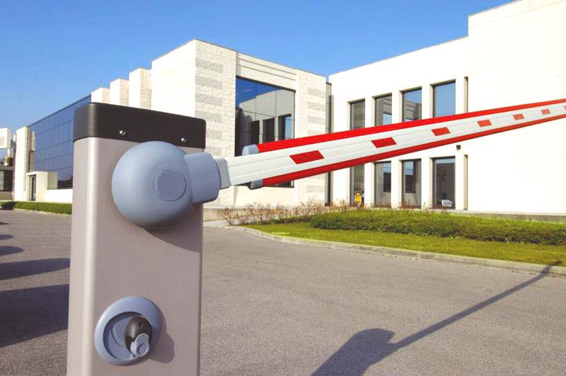 Автоматический шлагбаум с балансировочными пружинами