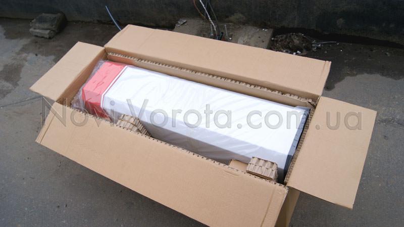 Стойка шлагбаума в упаковке
