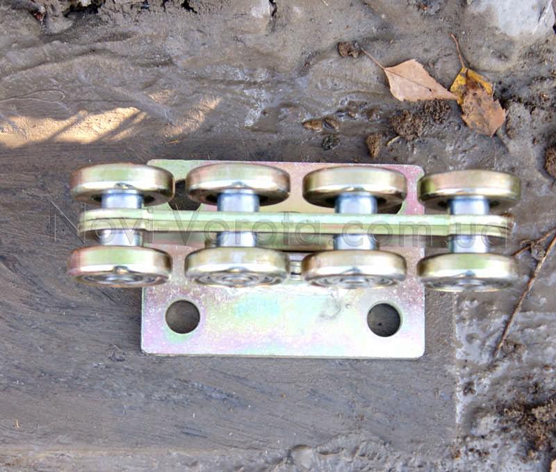 Роликовая опора с металлическими обоймами