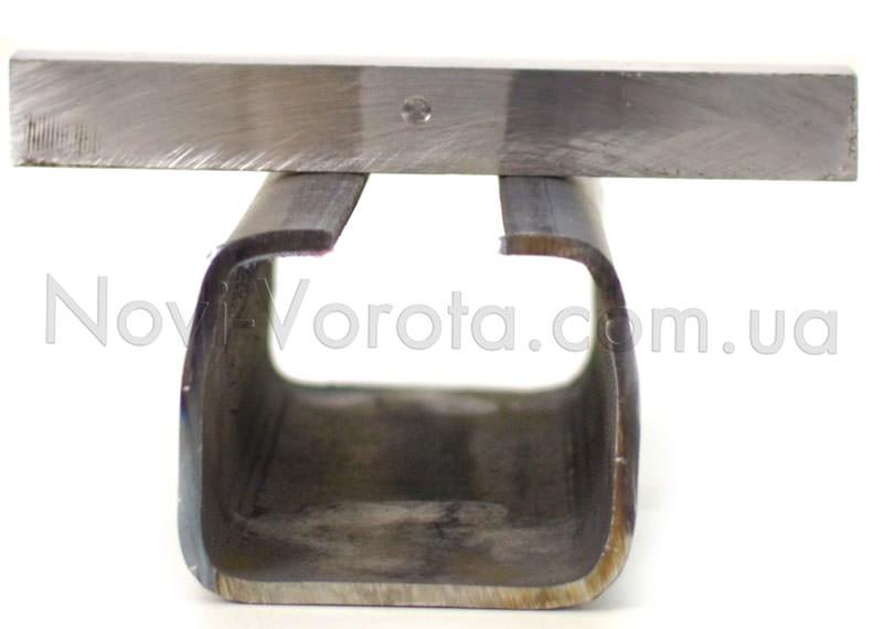 Нижние полки рельса и металлический брусок