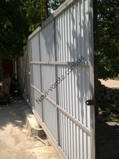 Откатные ворота своими руками - фото инструкция из города Симферополь, Крым.