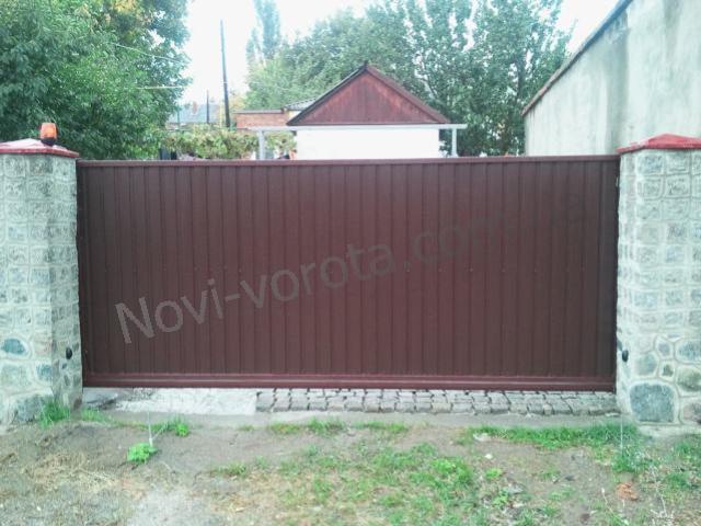 Откатные ворота фото - Первомайск Николаев