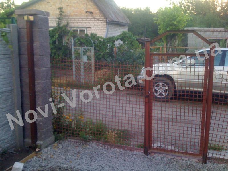 Установка деревянных откатных ворот Ялта