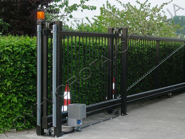 сигнальная лампа BFT на воротах